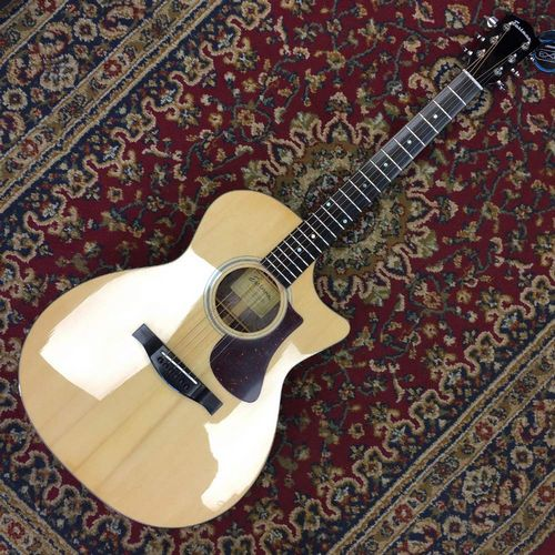 Eastman AC222CE - Solid Sitka Spruce Top, Solid Ovankgol Back and Sides, Gloss Nitro Top Finish